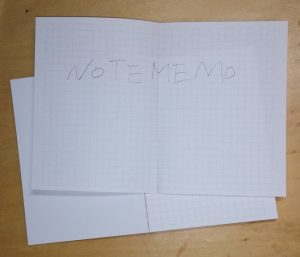 切り取った見開きノート