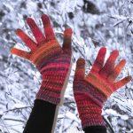 スマホ対応手袋で室内でも防寒 おやすみ中にはシルクでケア 評判や口コミは?